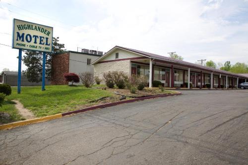 . Highlander Motel