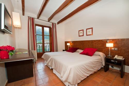 Twin Room - single occupancy Hotel Des Puig 6