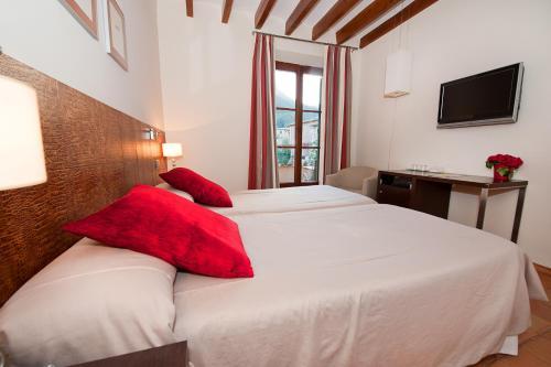 Twin Room - single occupancy Hotel Des Puig 7