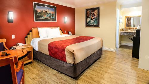 Aqua Venture Inn - Long Beach, CA 90806