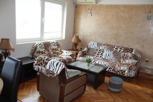 . Emma Apartments A2