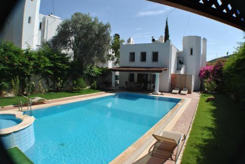 Bodrum City Evoteli Group Torba 4+1 Private Pool Villa yol tarifi