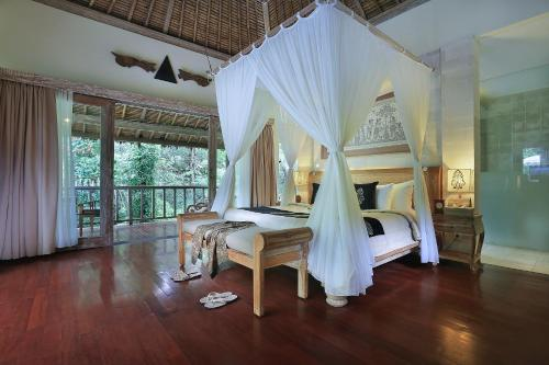 River Edge One-Bedroom Pool Villa with Free Benefit
