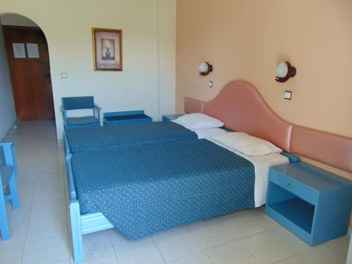 Cameră twin cu vedere la mare (Twin Room with Sea View)