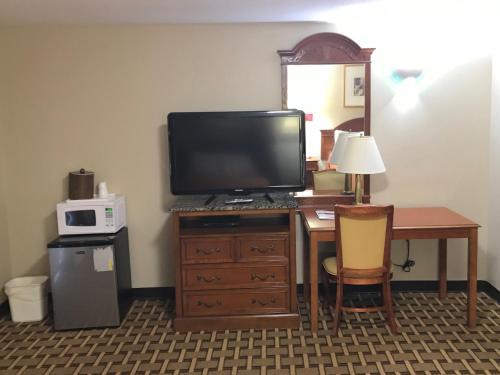 Americas Best Value Inn and Suites of Wolcott-Waterbury - Wolcott, CT 06716