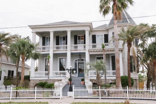 Carr Mansion - Accommodation - Galveston