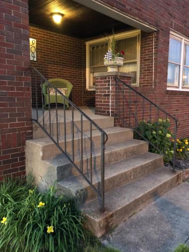 Holiday B&b - Indianapolis, IN 46203