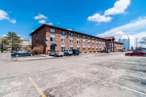 Motel 6-Naperville IL - Naperville, IL IL 60563