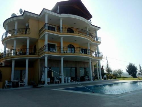 Trabzon Triplex Villa with Private Pool & Fireplace indirim