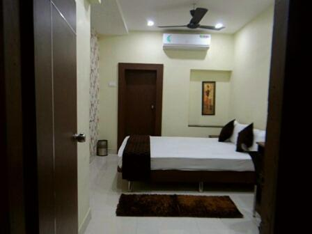 Mansi service Apartment