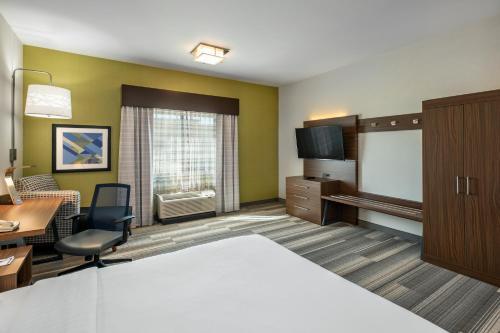Holiday Inn Express & Suites Medicine Hat - Medicine Hat, AB T1B4Y2