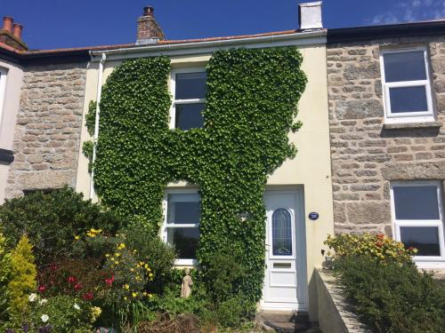 Stunning Seaview Cottage, St Just, Cornwall