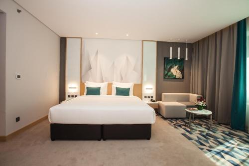 Flora Inn Hotel Dubai Airport - image 2