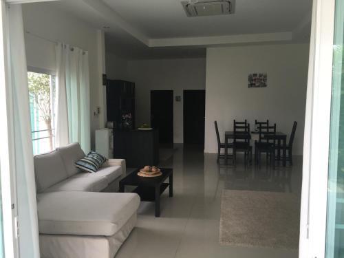 3 Bedroom Villa with pool 3 Bedroom Villa with pool