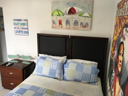 Coastal Express Inn #1 at 681 Ocean Drive room photos