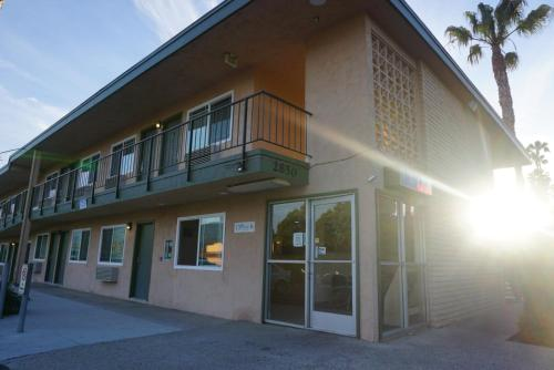 Americas Best Value Inn Thousand Oaks Hotel Newbury Park in CA on cvs design, company branding design, potoshop design, web design, mets design, datagrid design, civil 3d design, interactive experience design, simple text design, upload design, dvb design, pie graph design, openoffice design, theming design, ms word design, blockquote design, datatable design, spot color design, interactive website design, page banner design,
