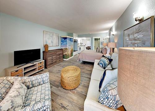 146 Sea Breeze   One Bedroom Condo