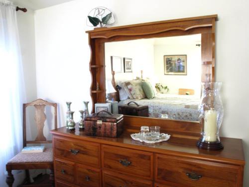 Granvalley Bed & Breakfast - Granville Ferry, NS B0S 1K0