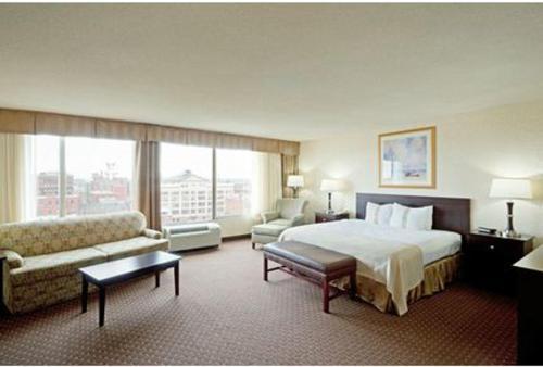 Holiday Inn Portland-by The Bay - Portland, ME 4101