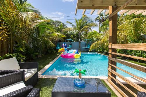 . Tropical Garden Bungalow
