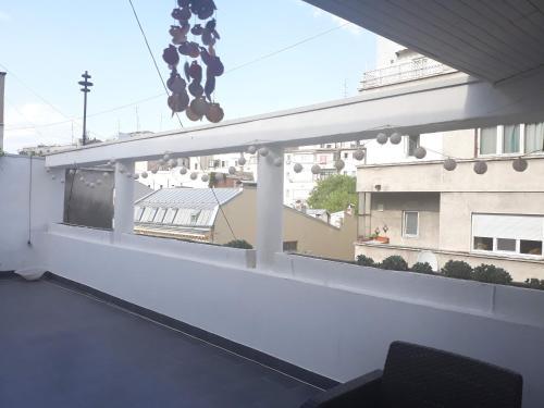 Studio modern Romana square