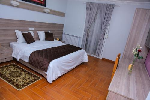 L'ESCALE HOTEL