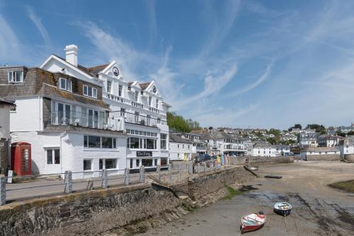 Ship and Castle Hotel - St Mawes