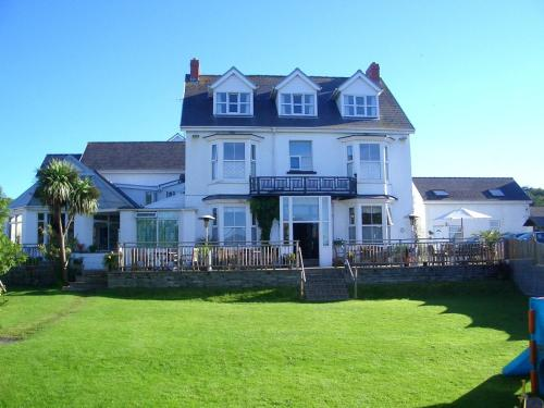 Malin House Hotel (with B&B)