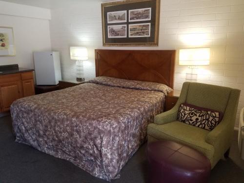. Cedar Motel