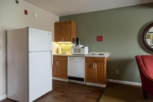 Fireside Inn & Suites Auburn 房间的照片