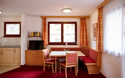Фото отеля Appartements Holiday