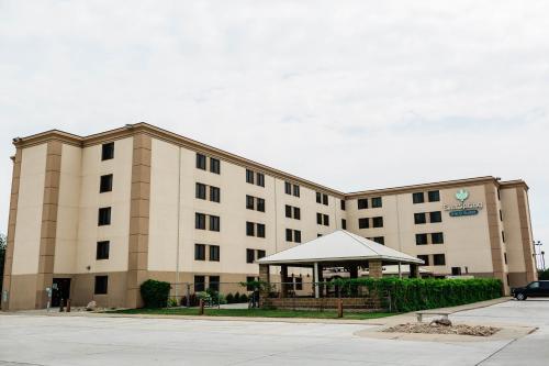 EverSpring Inn and Suites - Bismarck