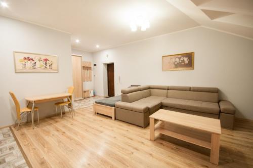 . Wonderful flat on city center (Mukachivska 4/15)