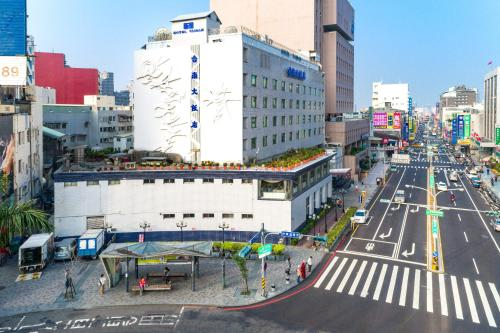 . Hotel Tainan