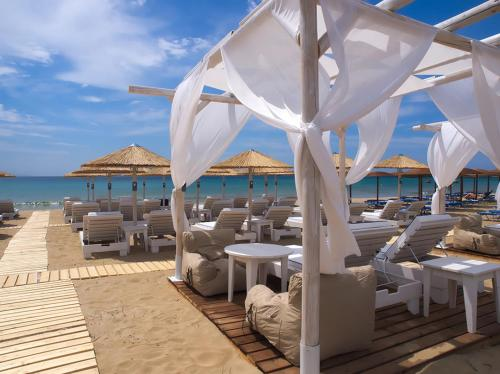 . Amaryllis Beach Hotel
