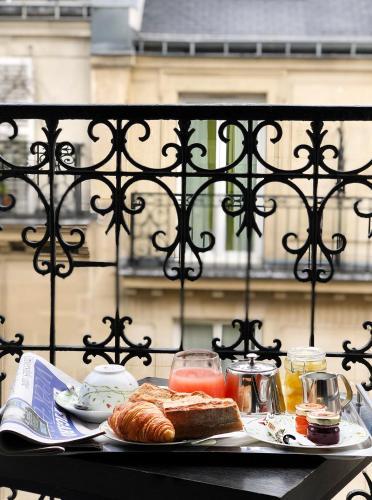 6 Rue du Général Lanrezac, 75017 Paris, France.