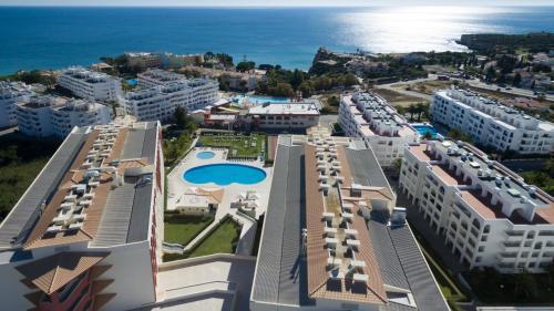 Quinta das Palmeiras, bloco E3-IV, 8400-450, Alporchinhos, Porches   Algarve, Portugal.