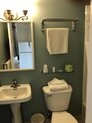 Biscayne Family Resort - Wildwood Crest, NJ 08260