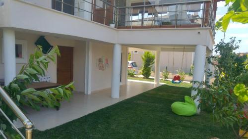 Ayvalık Flora Maya House ulaşım