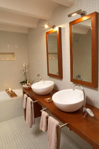 Suite Hotel la Plaça Madremanya 44