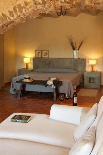 Suite Hotel la Plaça Madremanya 51