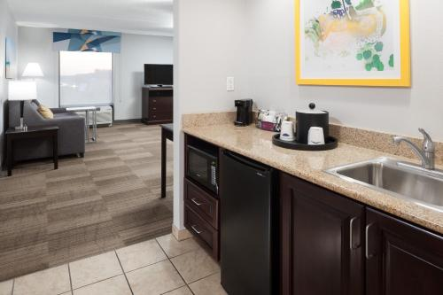 Hampton Inn And Suites Panama City Beach/Pier Park Area - Panama City Beach, FL 32407