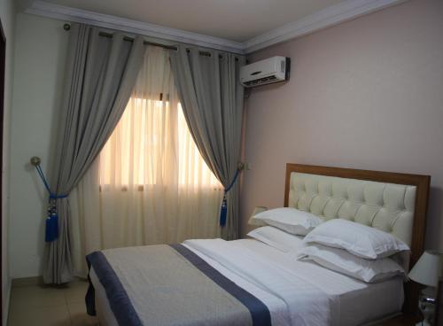 HotelLoumia Residency