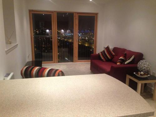Suite 16 Glasgow picture 1 of 31