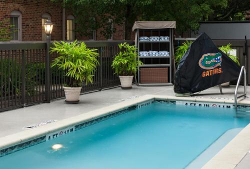 Hampton Inn & Suites Gainesville-Downtown - Gainesville, FL 32601