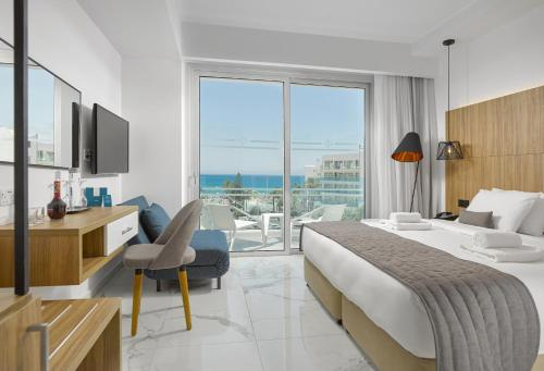 Superior Double or Twin Room with Front Sea View - Adults Only