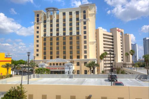 Ramada Plaza Resort & Suites by Wyndham Orlando Intl Drive impression