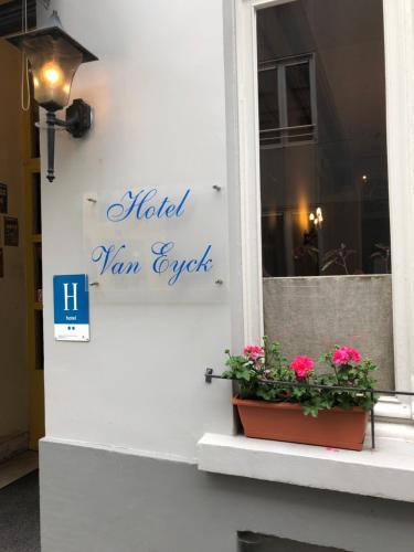 Van Eyck, Pension in Brügge