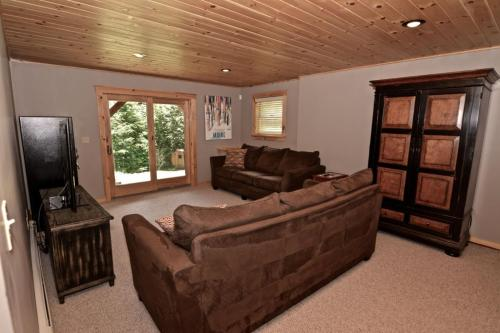 Vacation: Mount Brook Cabin