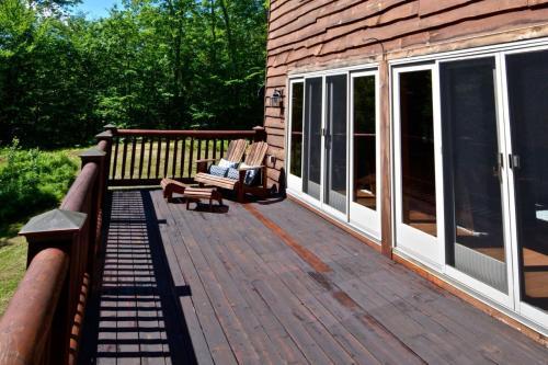 Vacation: Mount Brook Cabin - Bethel, ME 04217